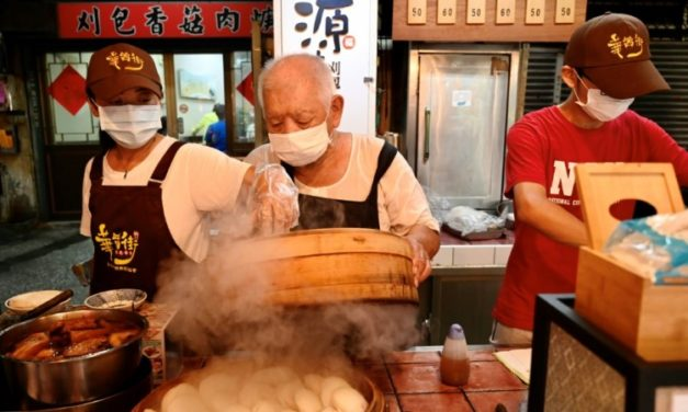 Taiwan's Tasty Steamed Buns Gets Michelin Award