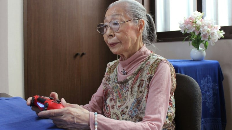 90 year old Gamer Grandma.afp