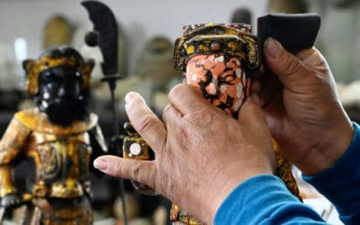 Taiwanese Artist Breaths New Life Into Trashed Sculpture of Gods
