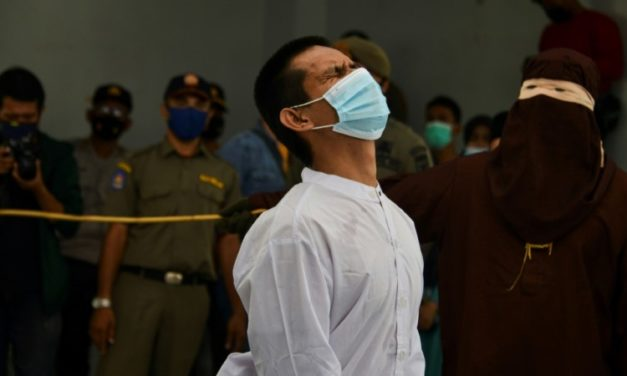 Indonesian Gay Couple Whipped for Sharia-Banned Sex