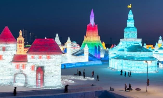 Frozen Towers and Palaces Stun Visitors at Harbin Ice Festival