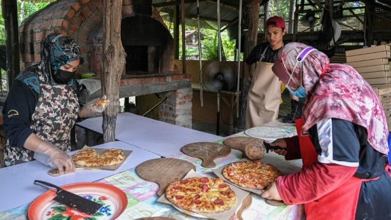 Backyard Pizzeria