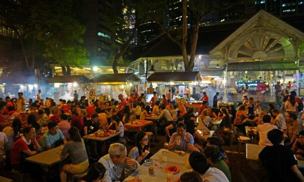 Must Try Eateries and Delicacies of Singapore
