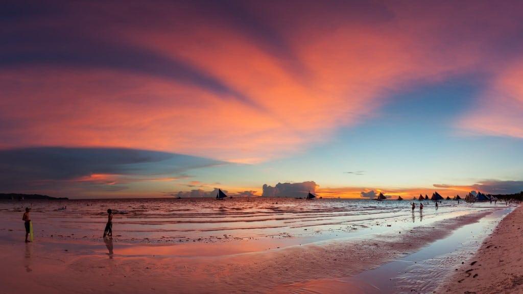 Boracay Sunset - Philippines ©Duncan Rawlinson