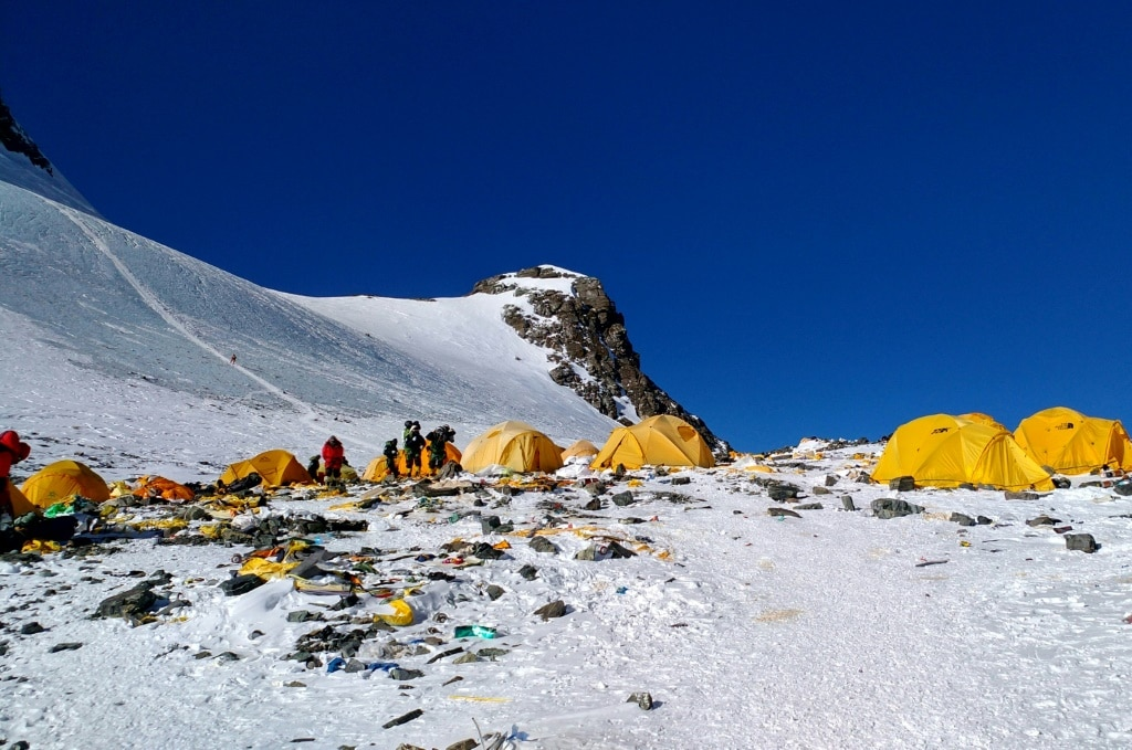Campers are leaving rubbish in Mt Everest©AFP