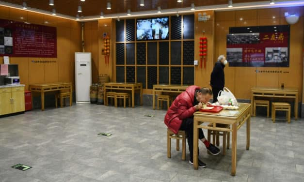 Fresh Food Spiked While Restaurants Starved for Cash in China