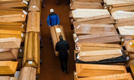 Coffins, Fear and Desperation: The COVID Frontline in 10 Pictures