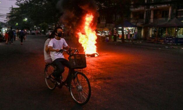 'Revolution Love' Sweeps Myanmar Protest Barricades