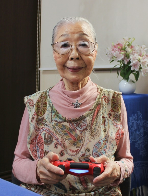 Gamer Grandma Encourages Other Older People to Get into Gaming.afp