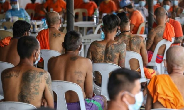 Philippine Gangs Ink Over Tattoos to Combat Jail Violence
