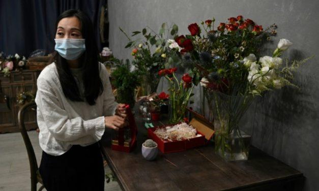 Hong Kong Florist Helps Prisoners Send Christmas Gifts