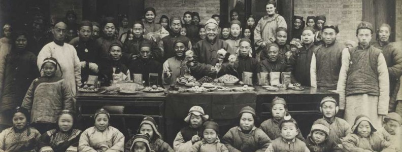 Group of Chinese-Christians gathered at Christmas circa 1905 - Wikipedia