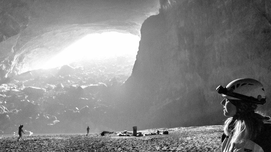 Hang En Cave - Hugh Derr
