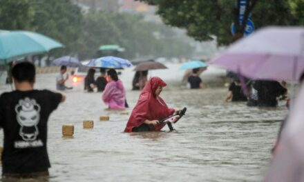 Horror on 'Line 5' as Chinese Subway Floods