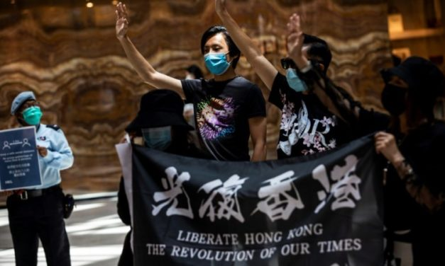 China Warns Britain Interfering in Hong Kong Will 'Backfire'