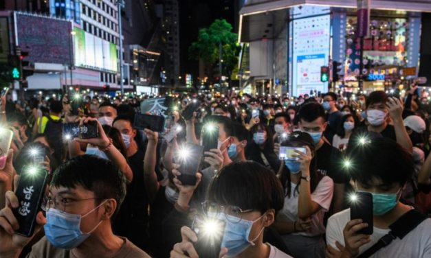 China Censors Hong Kong Internet, US Tech Giants Resist