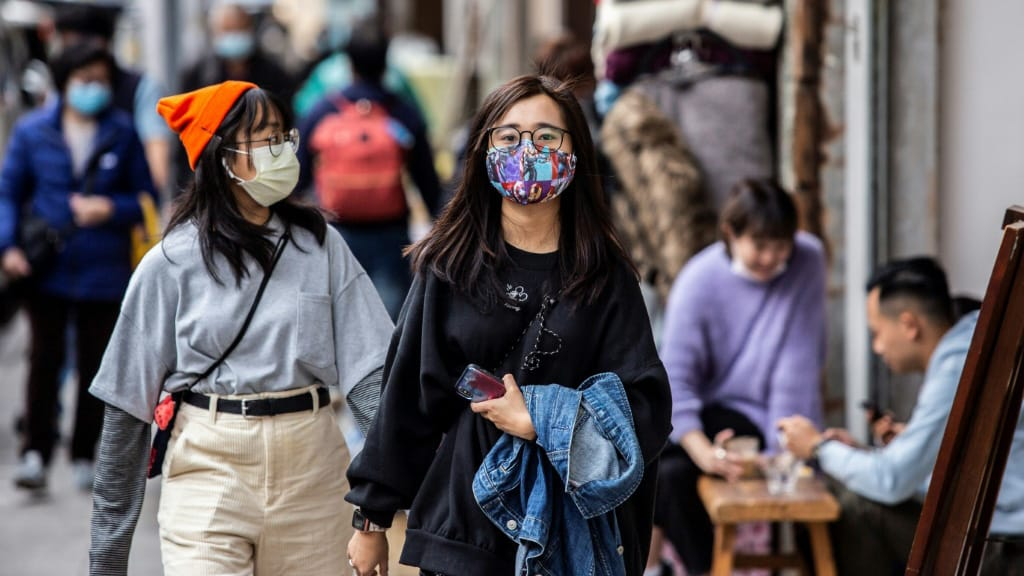 Hong Kongers DIY Face Mask.afp