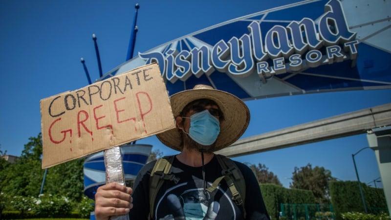 In Front of Disneyland Resort in Anaheim, California.afp