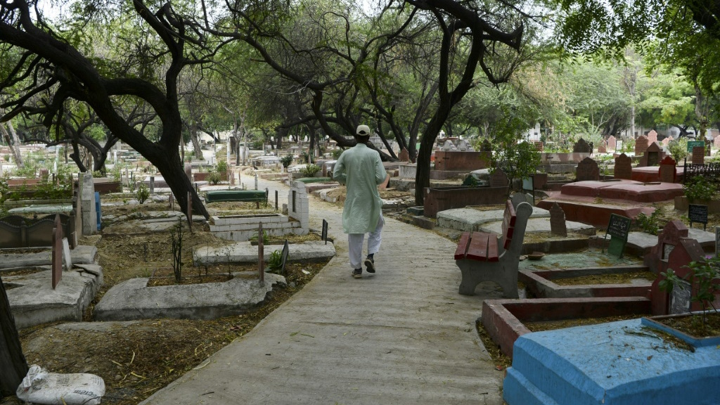 India's Muslim Cemetery Gravedigger Complains About his Career.afp
