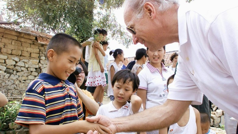 Joe Biden at Yanzikou in 2001
