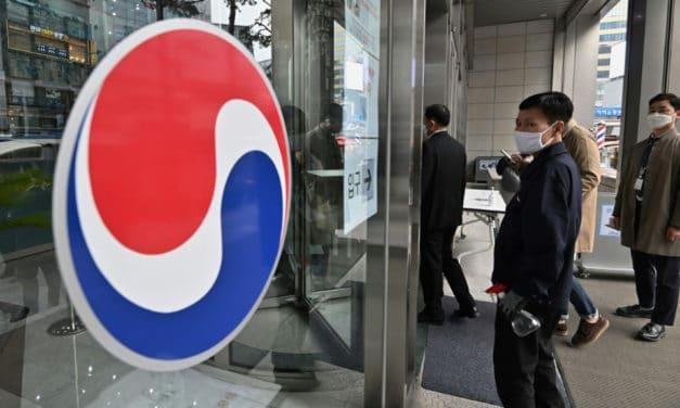 Korean Air Chief Defeats 'Nut Rage' Sister's Challenge