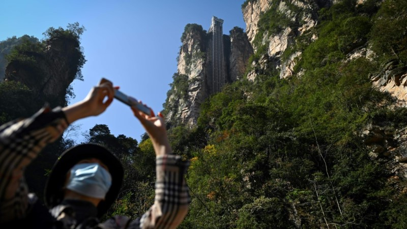 Lift going up China's Avatar Cliff