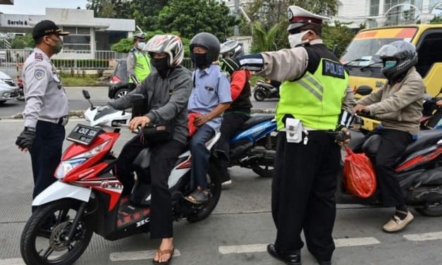 Indonesia's Social Distance Violators May be Punished by Cleaning Toilets