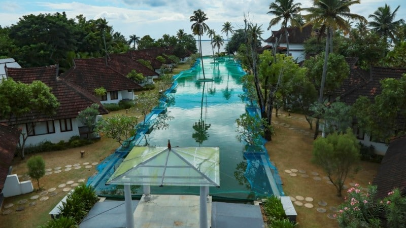 Luxury pool to Fish Farm