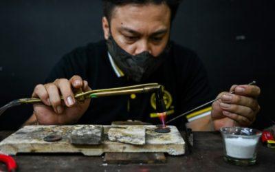 Malaysian Goldsmiths Mold a Profit Out of Pandemic
