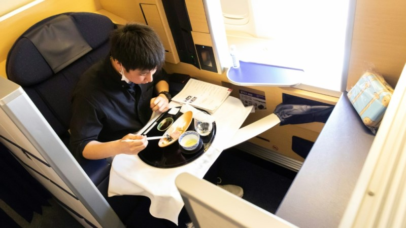 Meals Aboard Grounded Planes