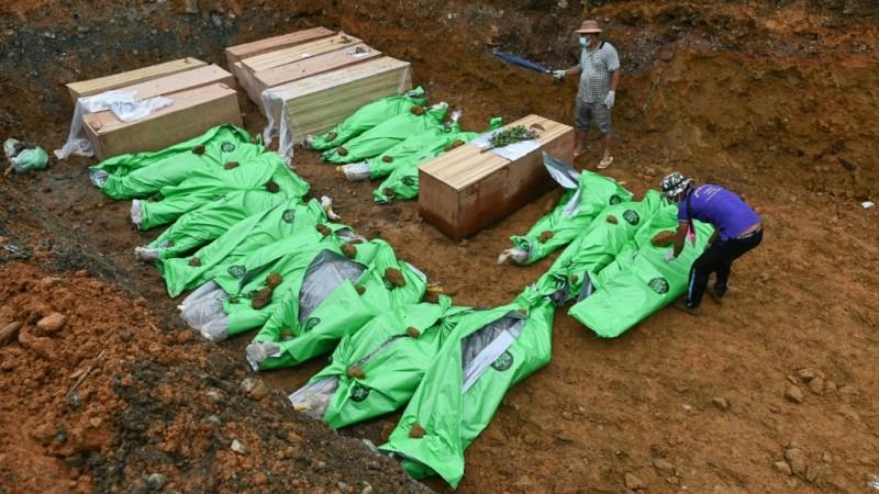 Miners in Hpakant, Myanmar