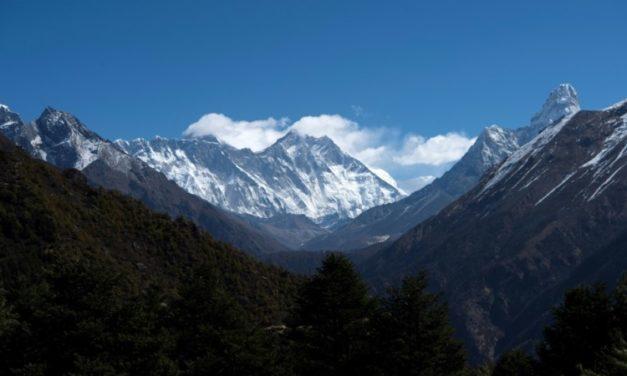 Virus Reaches Everest as Climber Tests Positive