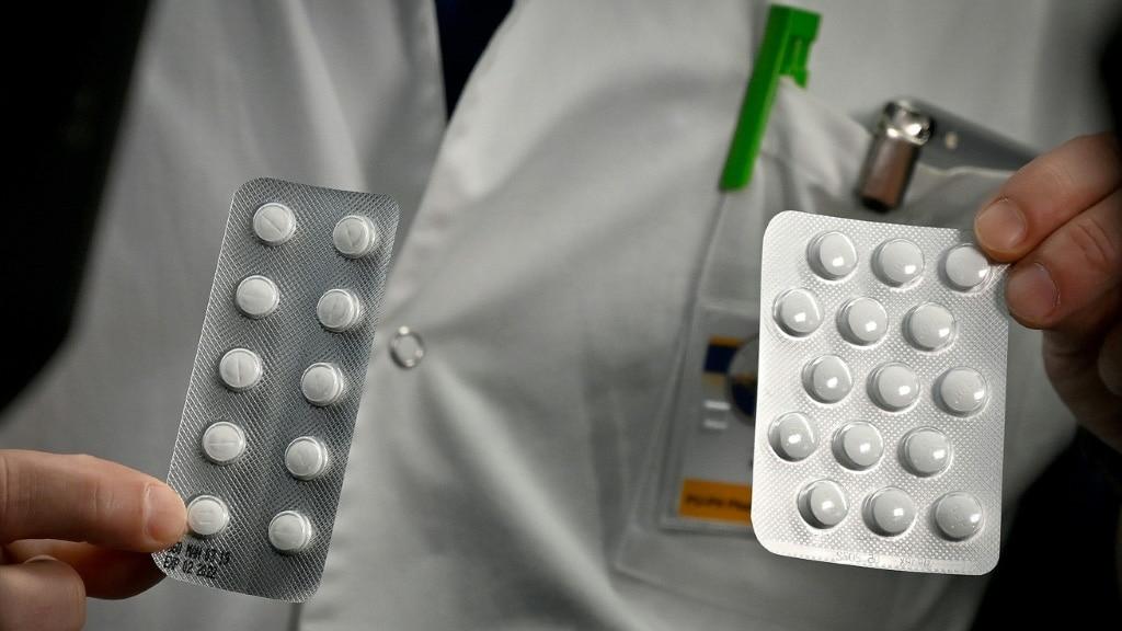 Nivaquine and Plaqueril Pills.afp