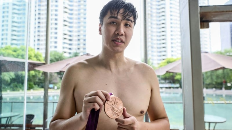 Olympic Bronze Medalist Jiang