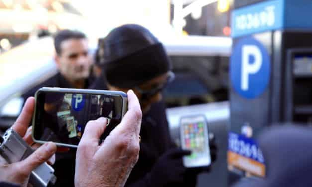 Surveillance Giants Google, Facebook Business Model 'Threat to Human Rights'