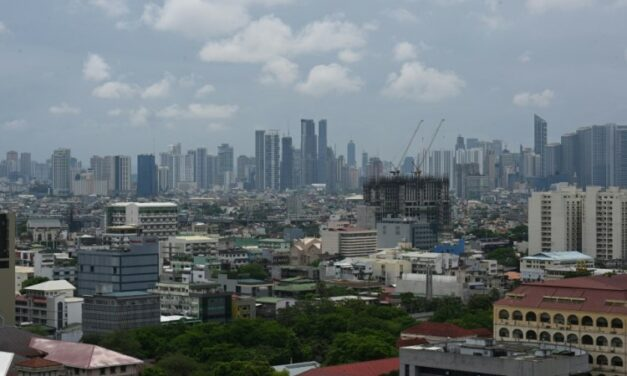 Philippines Lifts Lockdown in Capital as Virus Surges