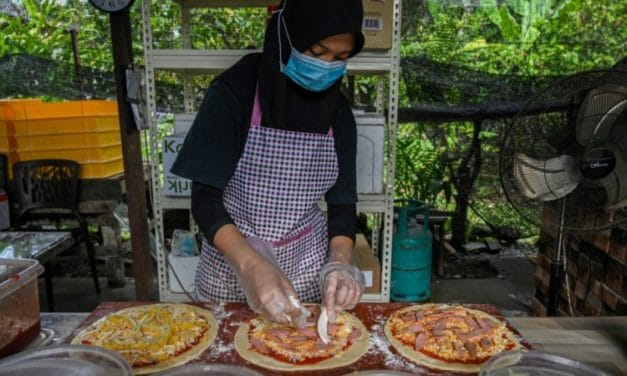 Pandemic Pizza: Malaysian Family Cooks up Solution to Virus Woes