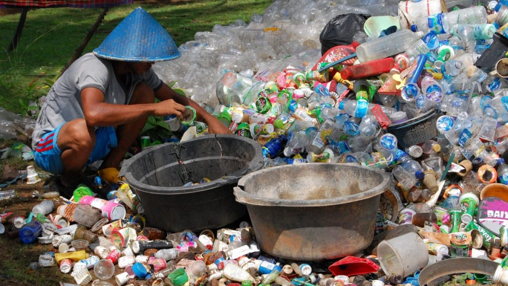 Plastic Collector Indonesia - Ikhlasul Amal