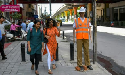 Bangalore Police Deploy Mannequins to Deter Traffic Offenders