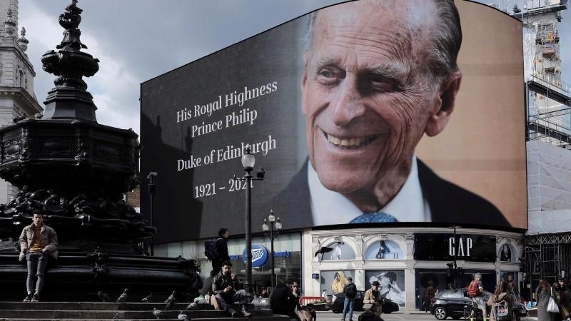 Prince Philip Death Announcement ©Garry Knight