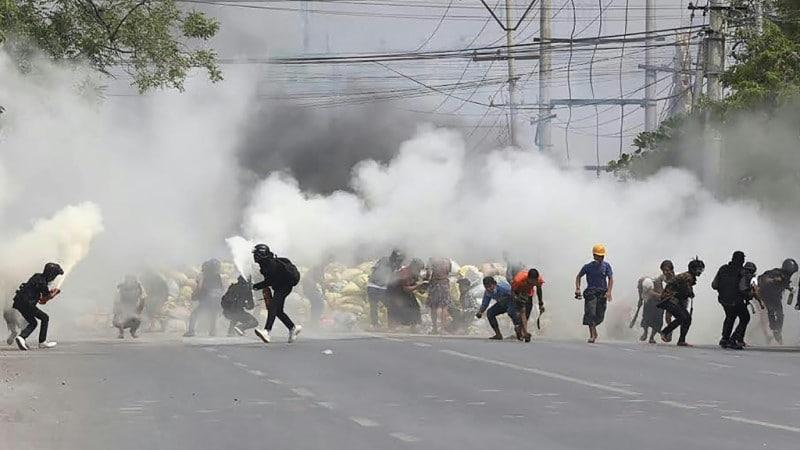 Protesters in Myanmar