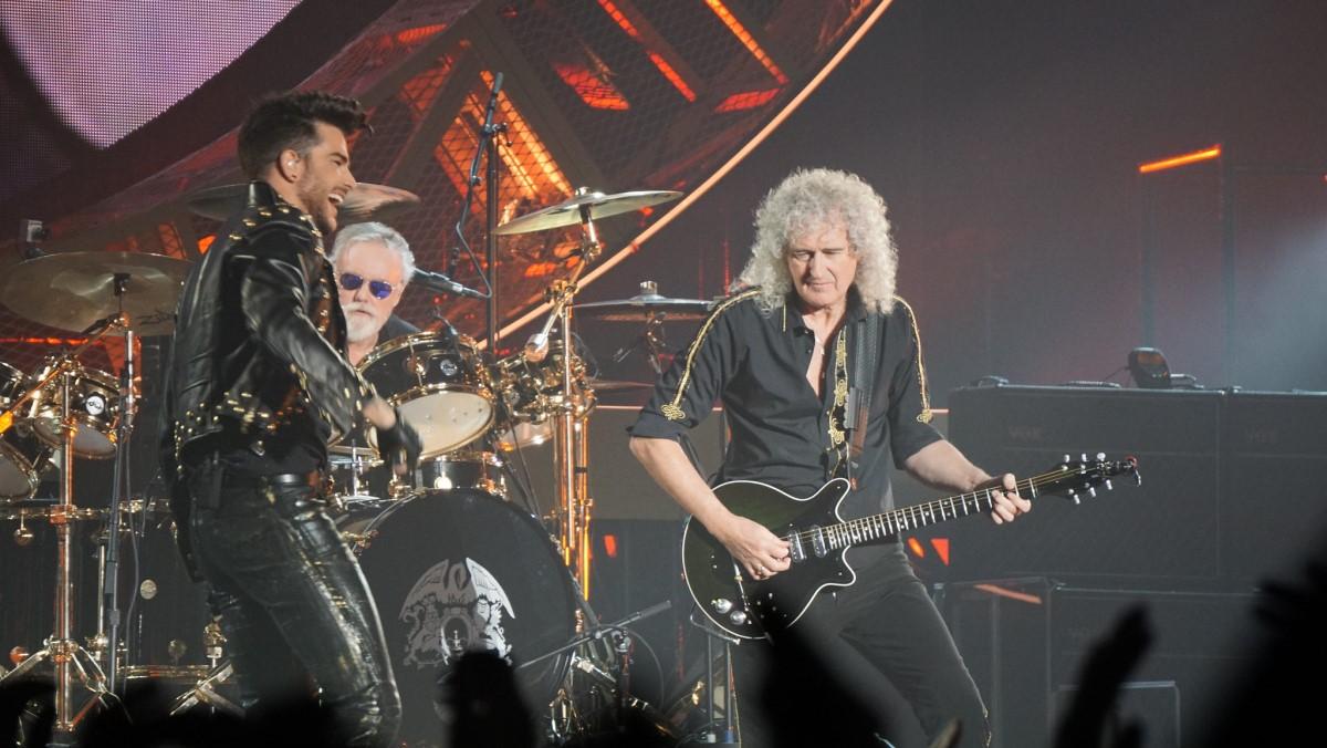 Queen Performing with Adam Lambert