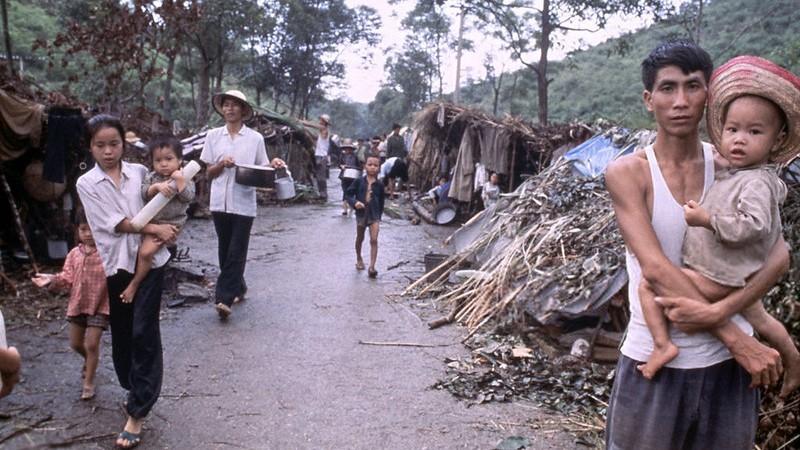 Refugees Stranded at Border August 1978 ©manhai