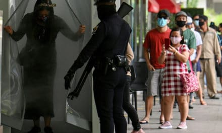 Manila Malls Set up Disinfectant Booths as Lockdown Eased