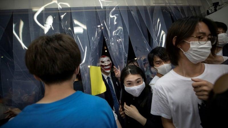 Robbers in Tokyo Art Exhibit.afp