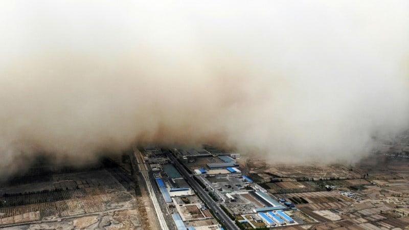 Sandstorm in China's Gansu Province
