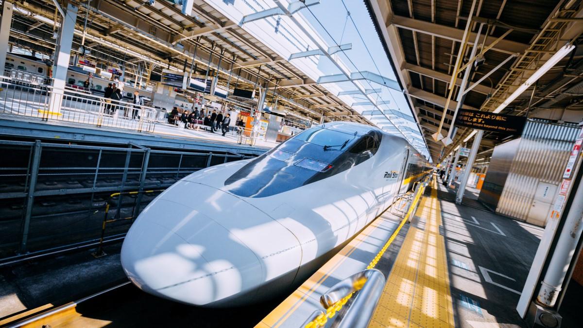 Shinkansen - Japan   Hans Johnson