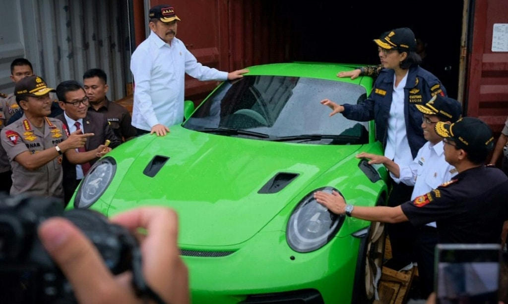 Smuggling of High-end Cars in Indonesia.afp