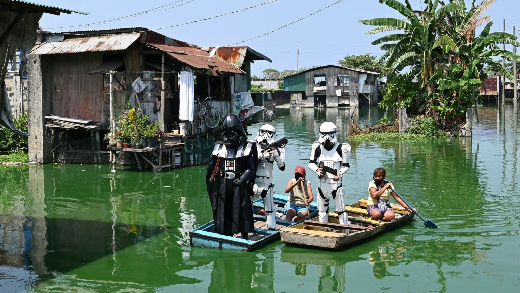 Star Wars Characters Remind Residents to Stay Home in Manila.afp