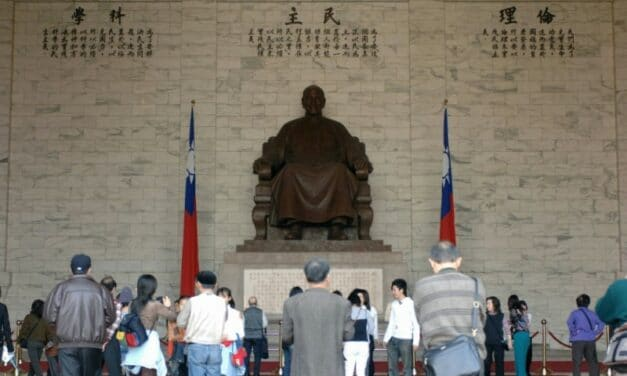 Taiwan Agency Proposes Removal of Giant Chiang Kai-Shek Statue